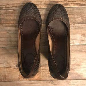 Frye leather pumps - dark brown size 9.5